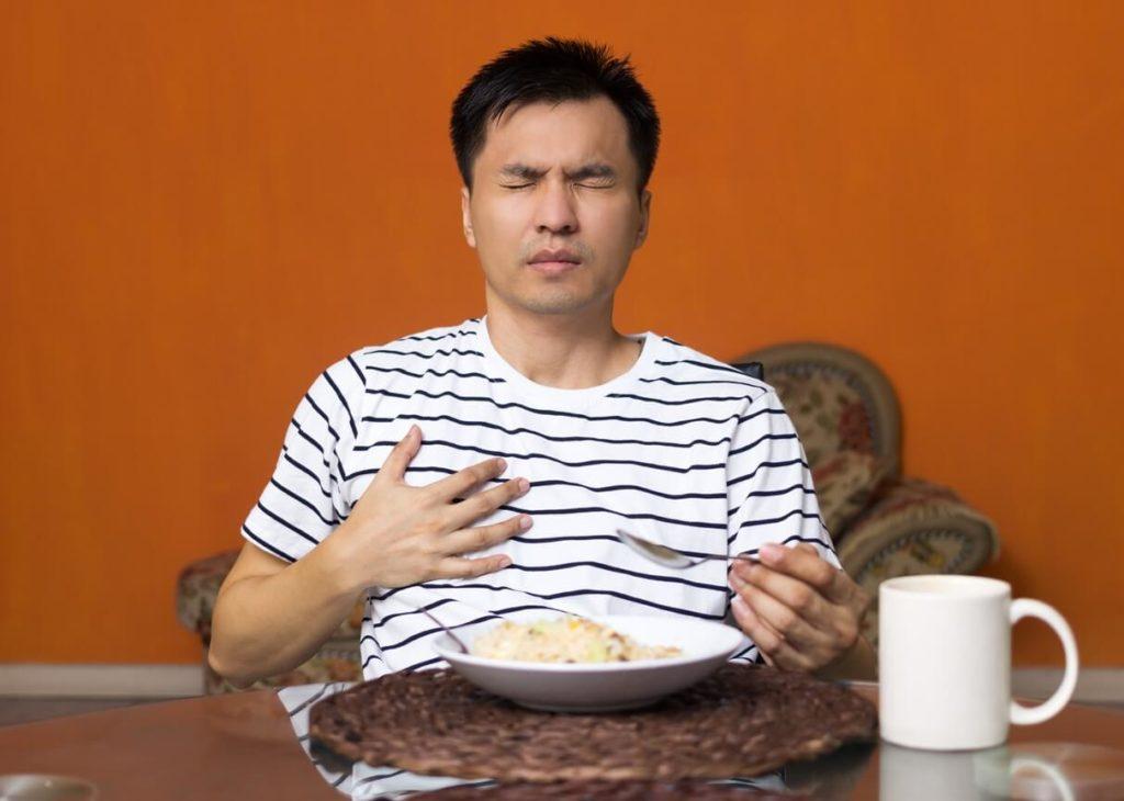 Essoufflement en mangeant ou après le repas